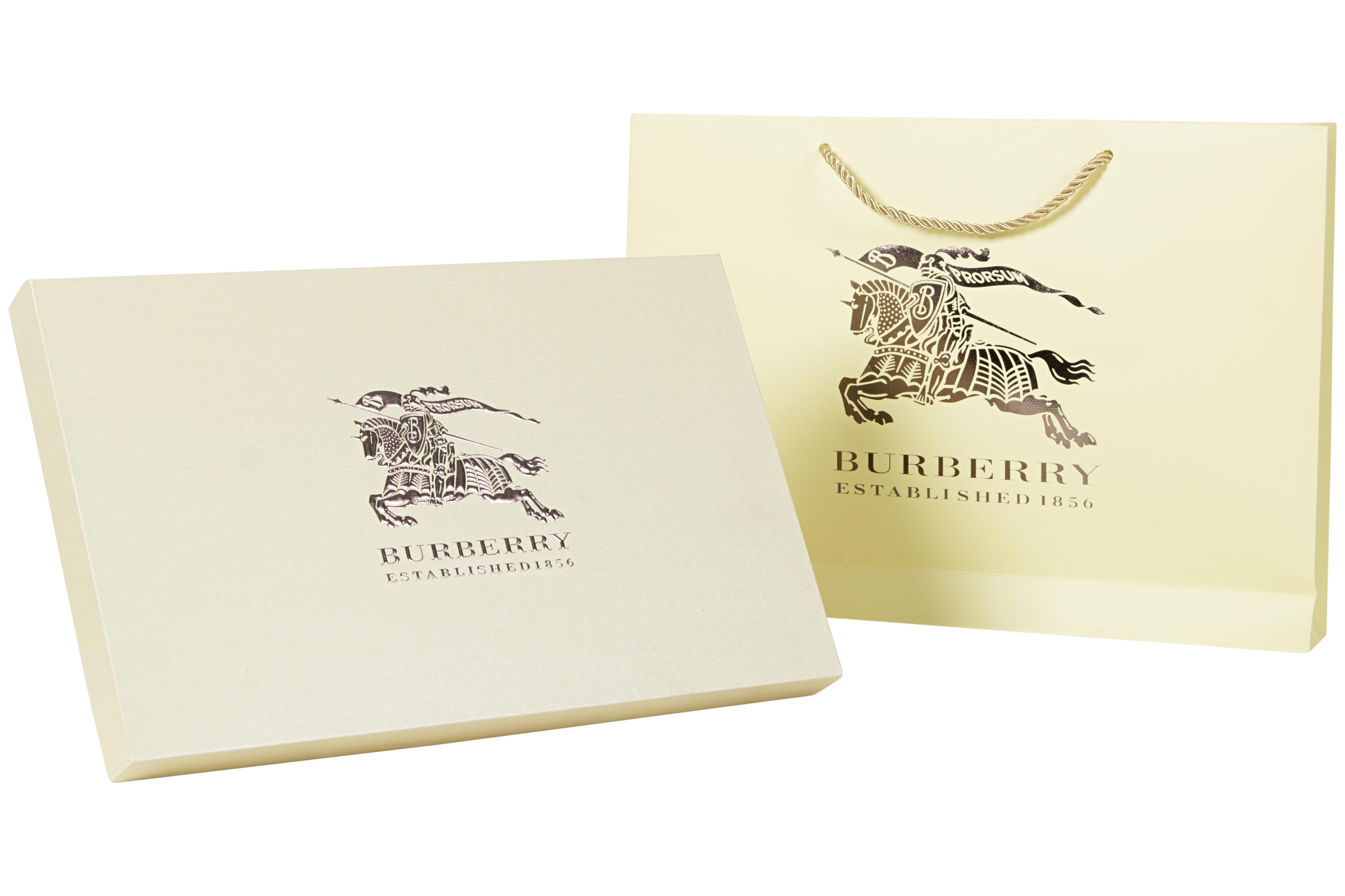 Коробка Burberry